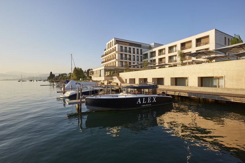 Alex Lake Zurich Exterior