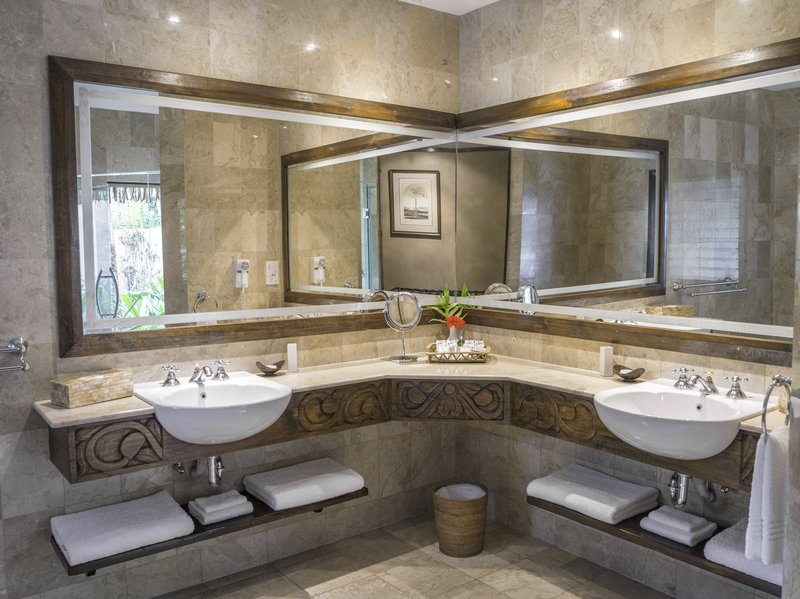 Ultimate Beachfront Bungalow Bathroom