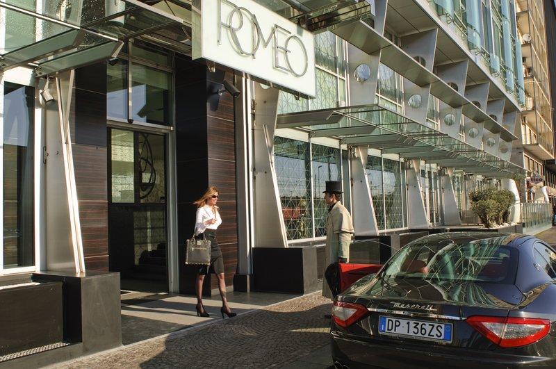 Romeo Entrance