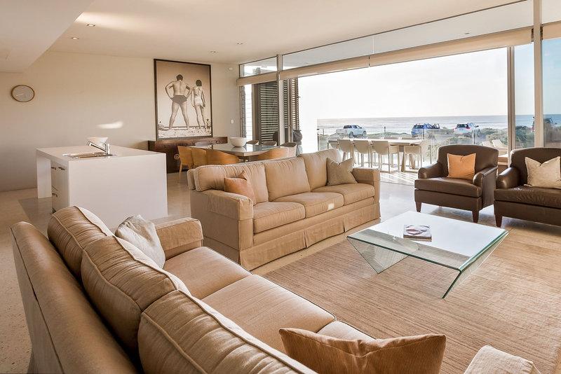 2 Bedroom Premium Beach House Open Plan Living