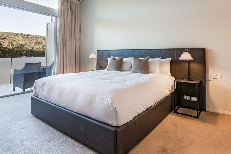 2 Bedroom Premium Beach House Master