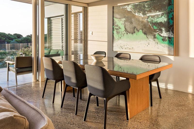 3 Bedroom Beach House Dining
