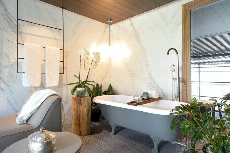 Rooftop Suite Bathroom