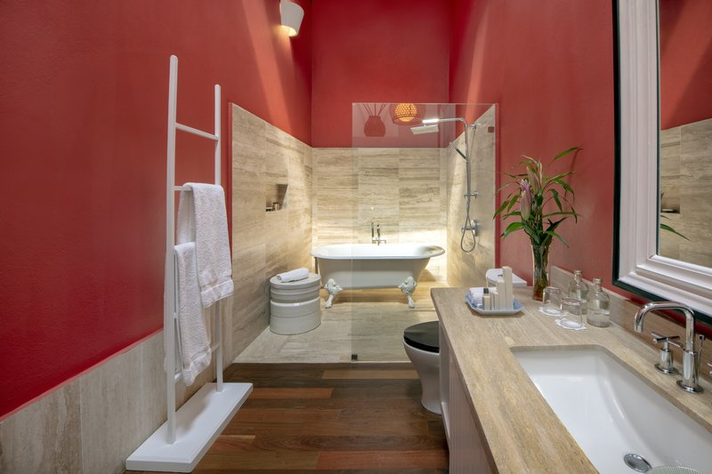 Luxury Bathroom Pozo