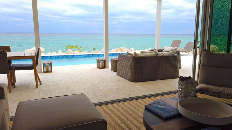 Oceanfront Coral Villa Great Room
