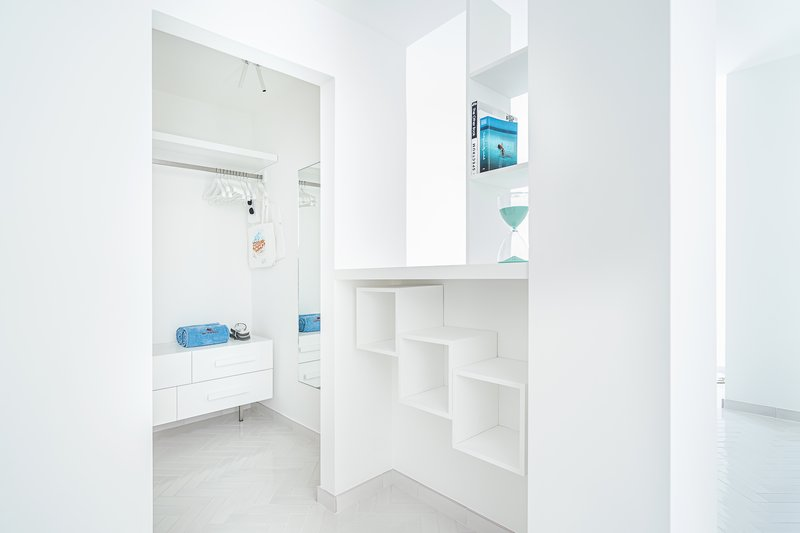Deluxe Corner Sea View Room - Walkin closet