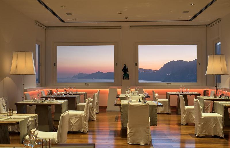 Un Piano Nel Cielo Fine Dining Restaurant