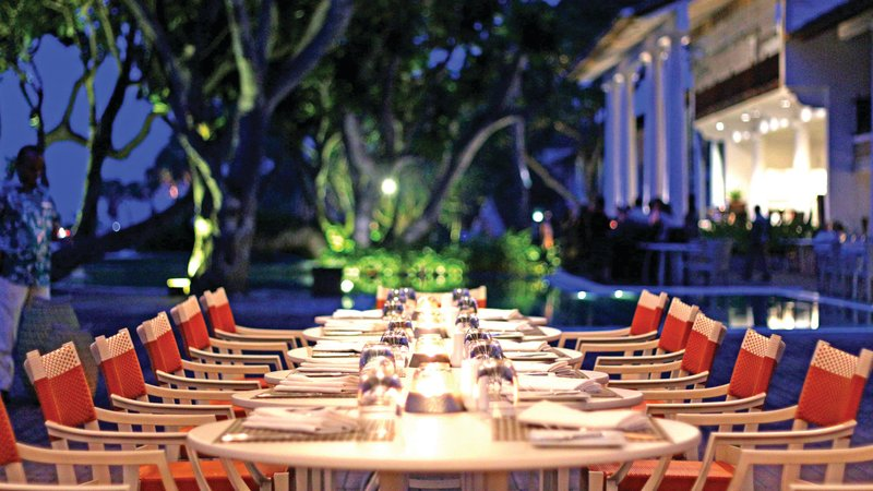 Dine at outdoors with Salty Snapper