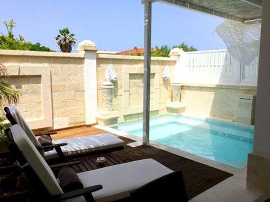 Master Suite Private Pool
