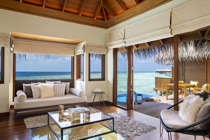 Ocean Bungalow With Pool - Living Room