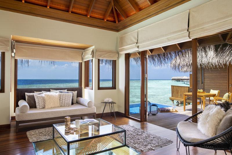Ocean Bungalow With Pool - Living Room