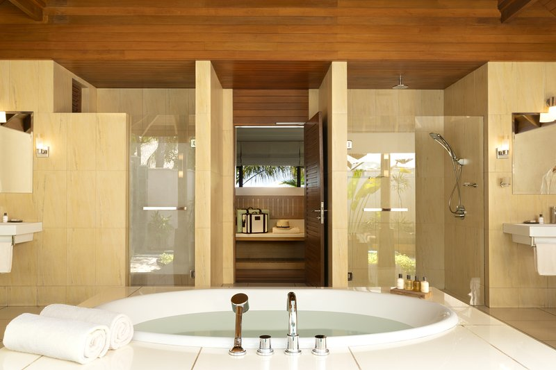 Beach Bungalow With Pool - Bathroom