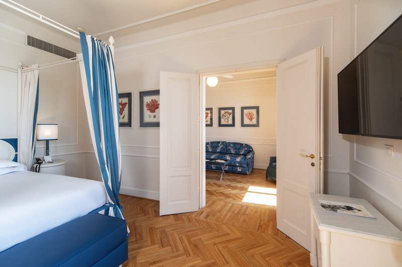 One Bedroom Suite Front Empire