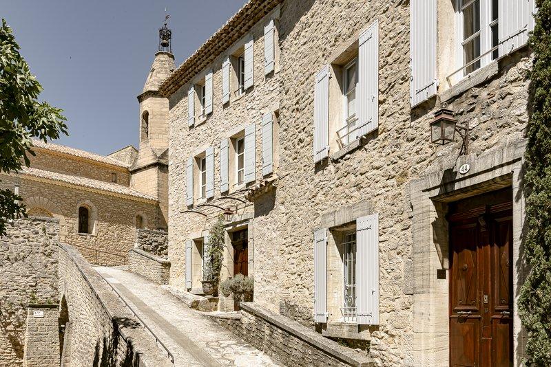 Crillon Le Brave's houses