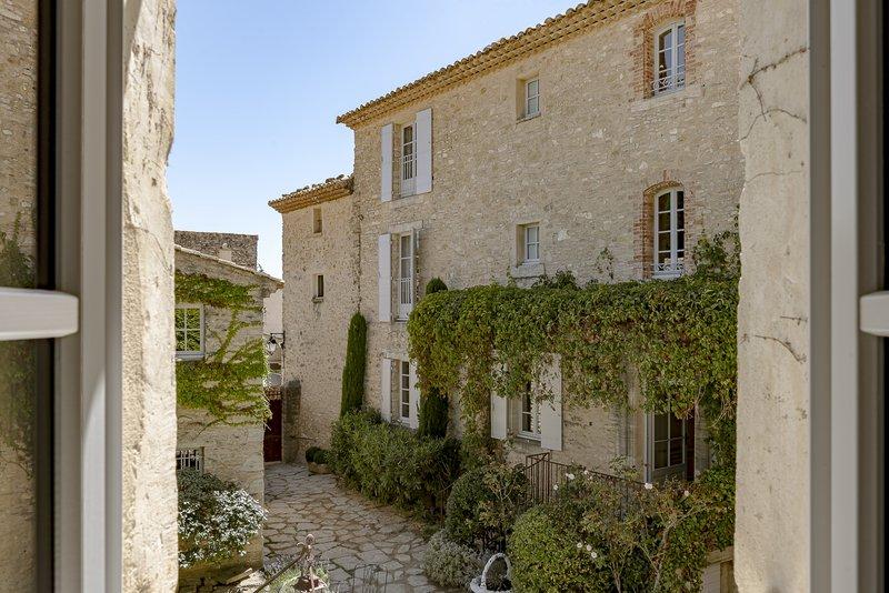 Crillon Le Brave's stunning sandstone houses