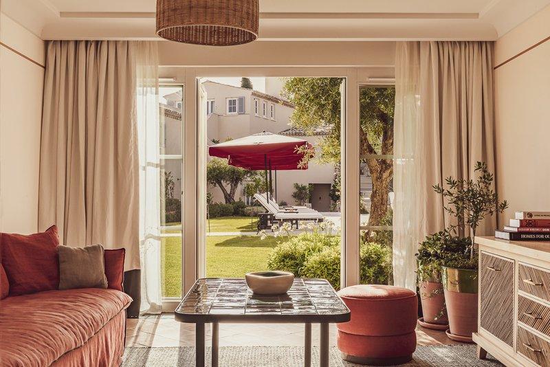 Superior Suite - Living Room