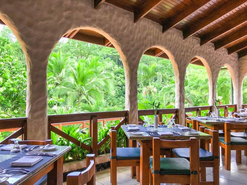 Ave Restaurant