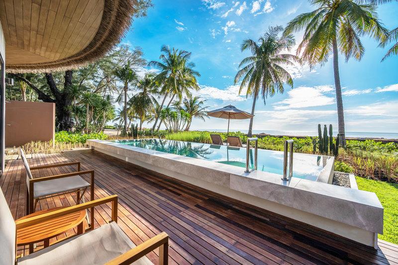 Pool Villa Beachfront