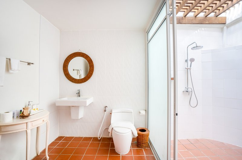 2BR Chaba Bathroom