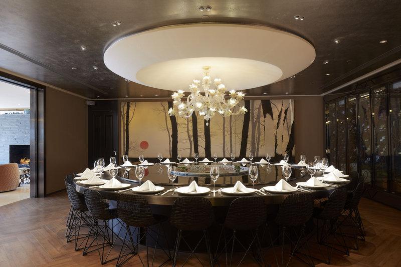 Presidential Suite - Roundtable.jpg