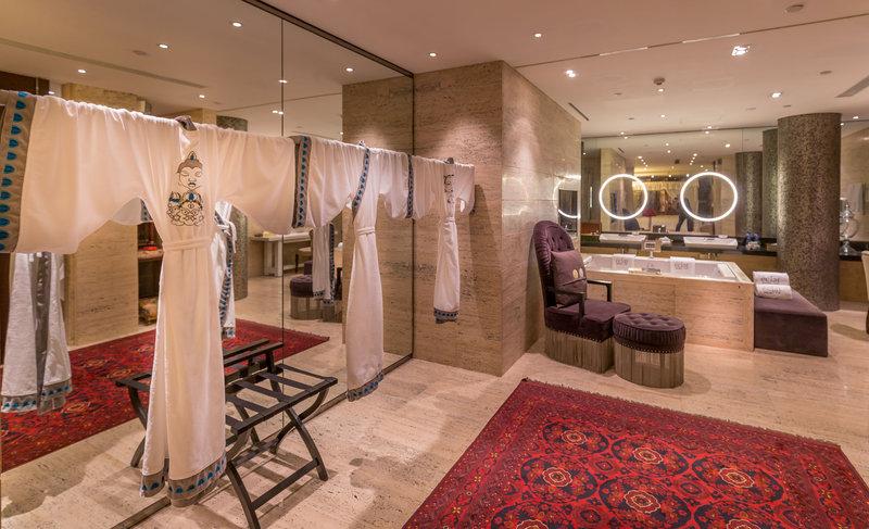 Presidential Suite - Bathroom.jpg
