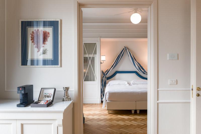 One Bedroom Suite Side Sea View