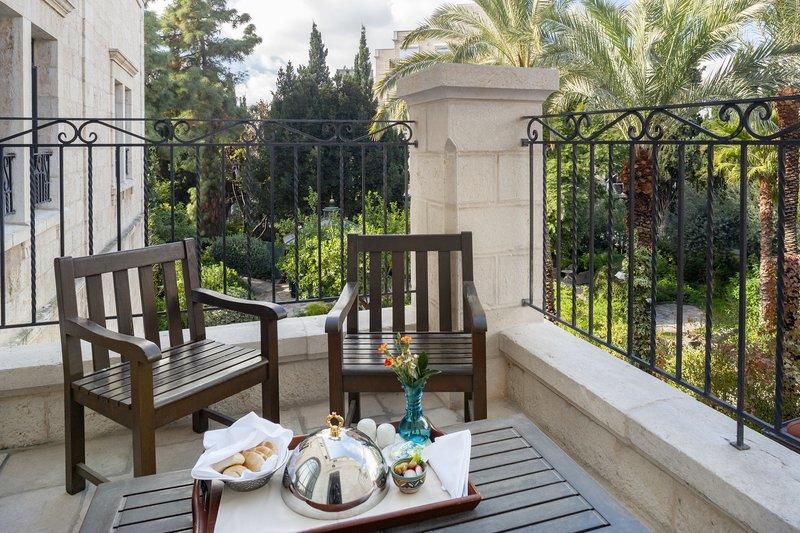 Deluxe Pasha Balcony