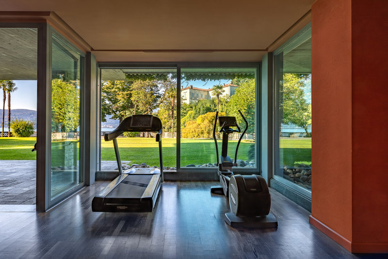 Fitness Room - Lake View