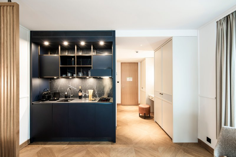 Penthouse Kitchenette