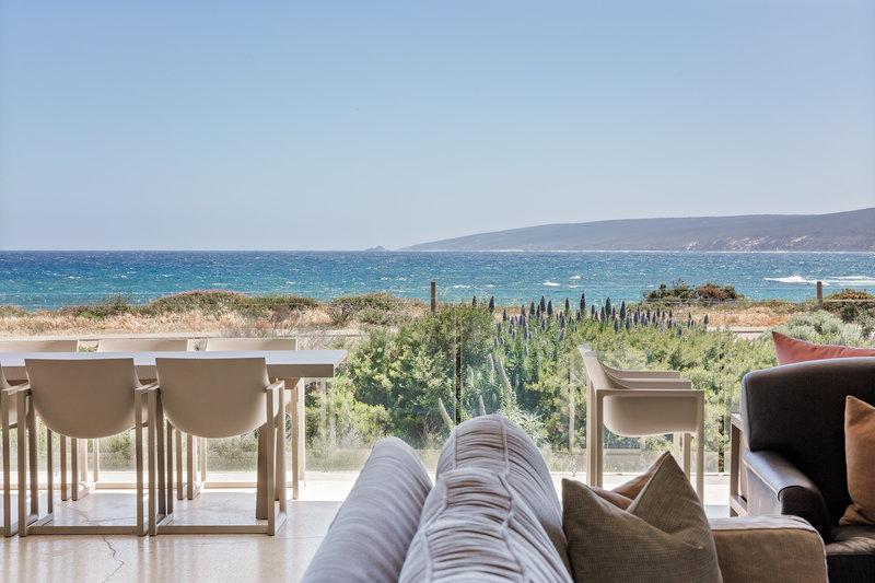 4 Bedroom Luxury Beach House