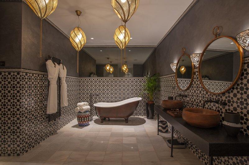 Salma Suite Bathroom