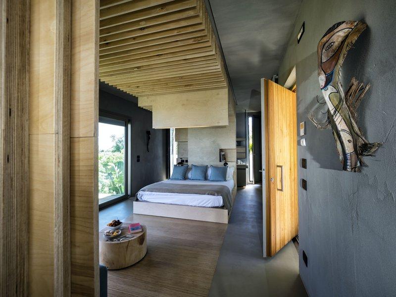 Flora Lodge
