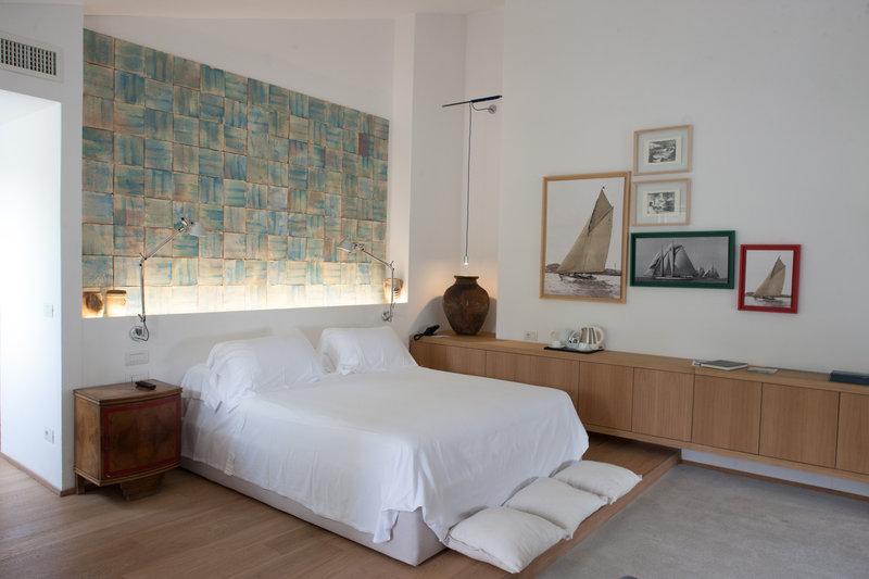 Deluxe Room - The Artist's room