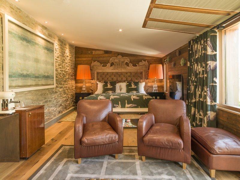 Manuka Hot Tub Suite