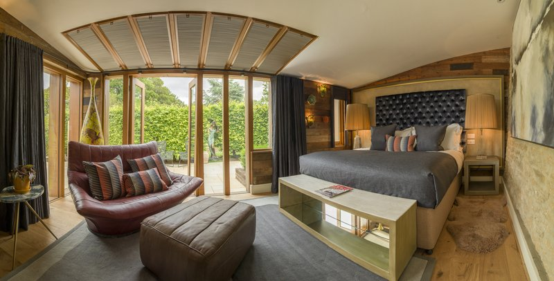 Waterlily Hot Tub Suite Chalet