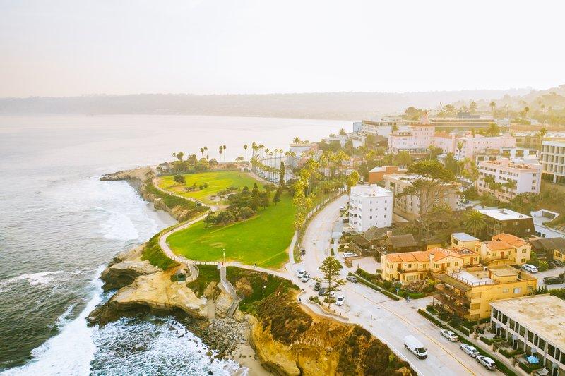 Pantai Inn Location