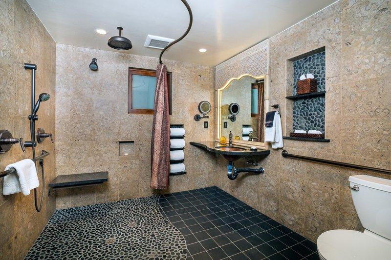 One bedroom king, accessible, partial ocean view - bathroom - PK1