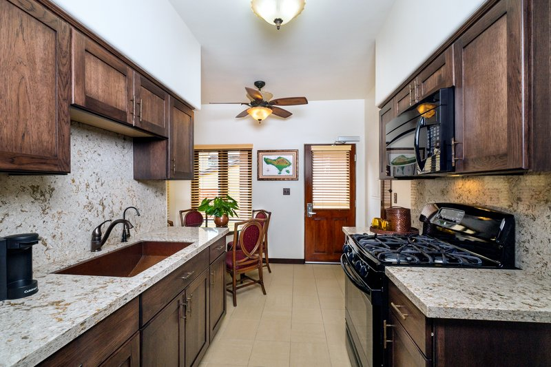 One bedroom queen, classic view - kitchen - CQQ