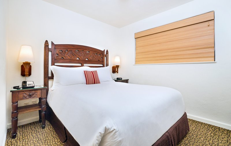 Two bedroom ocean view suite - bed - O2Q
