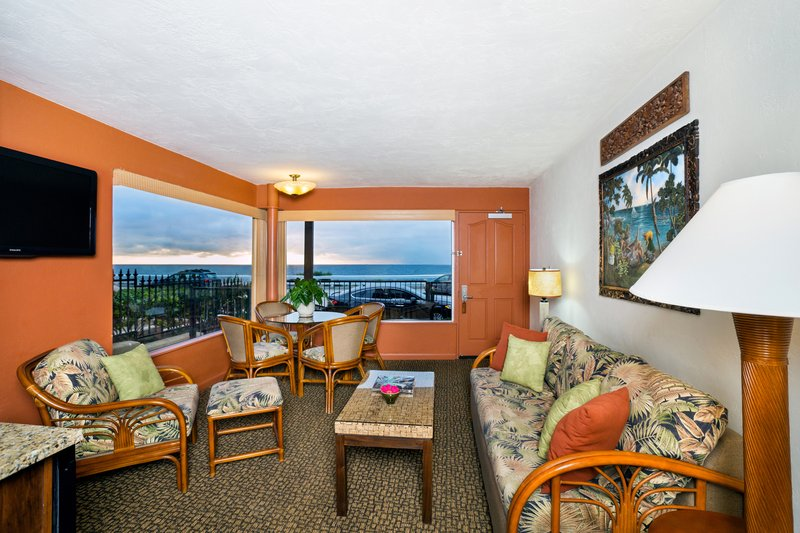 Two bedroom ocean view suite - living room - O2Q
