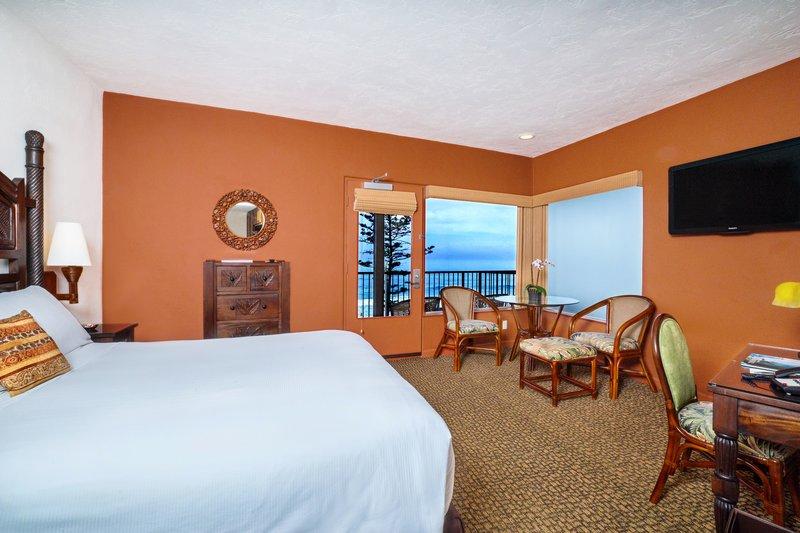One bedroom ocean view studio - living area - SQO