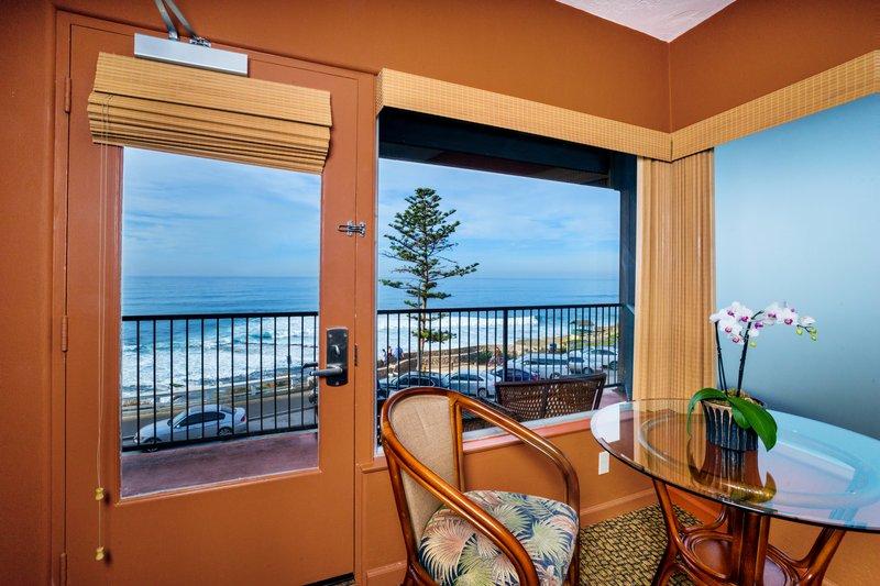 One bedroom ocean view studio - balcony view - SQO
