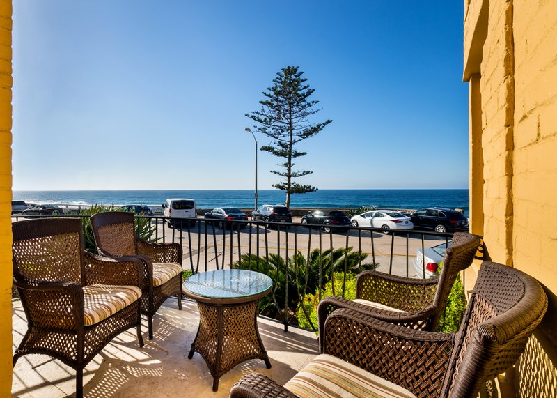 Two bedroom ocean view - balcony - 2KQ