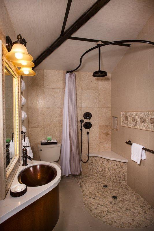 One bedroom ocean view - bathroom - OKQ