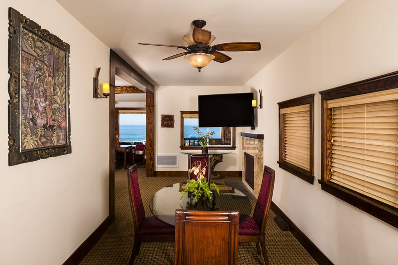 One bedroom ocean view - dining room - OKQ