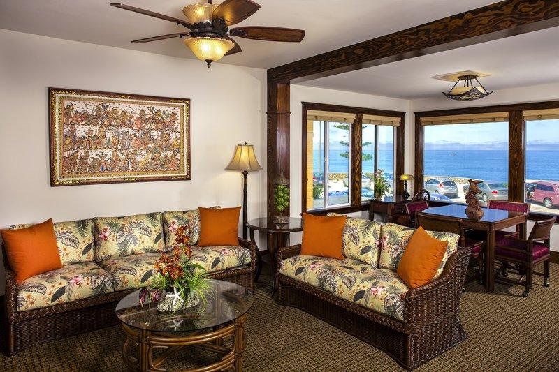 One bedroom ocean view - living room - OKQ