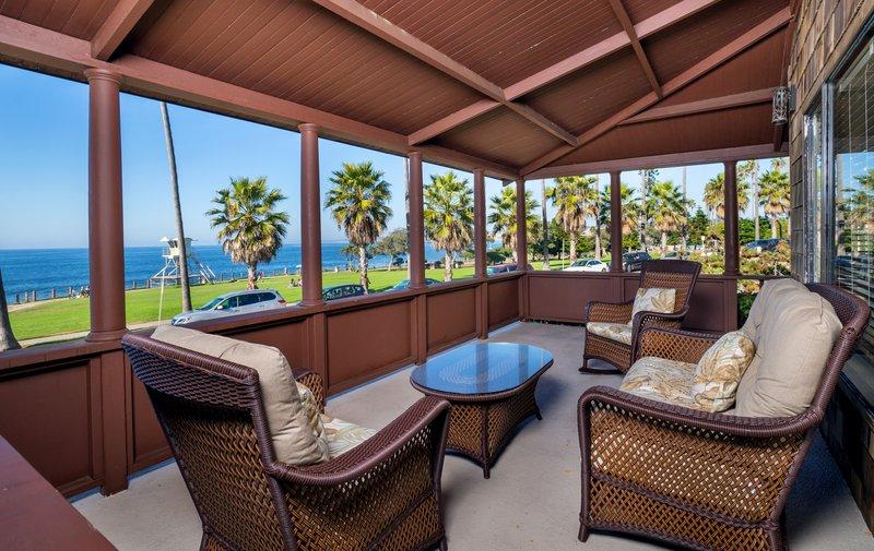 One bedroom ocean view - balcony patio - OK2