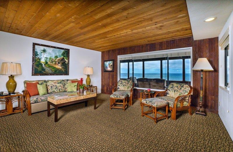 One bedroom ocean view - living room - OK2