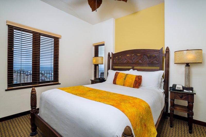 Two bedroom ocean view - bedroom - KQ2