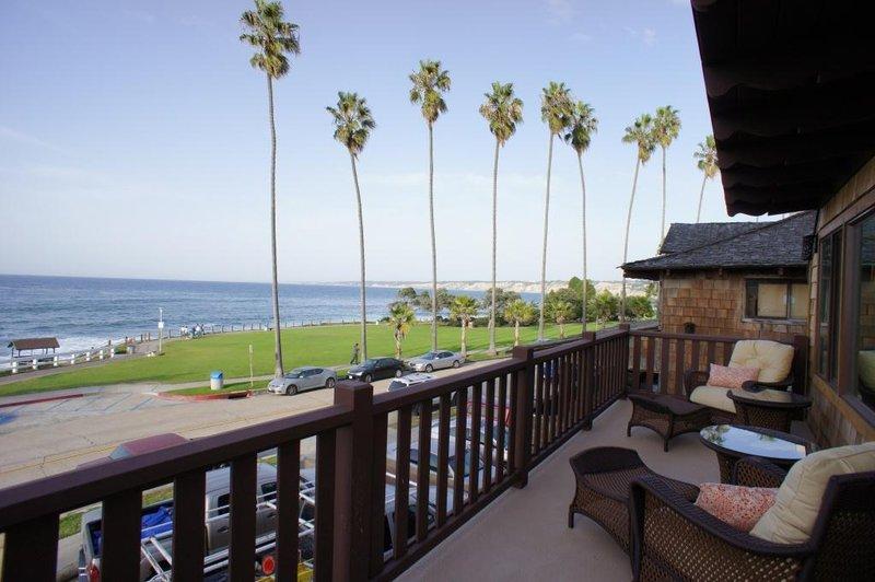One bedroom ocean view - balcony patio - OK1